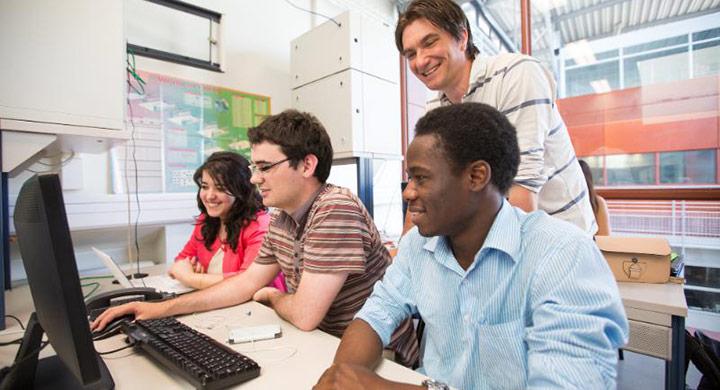 Teachers' closeness with students