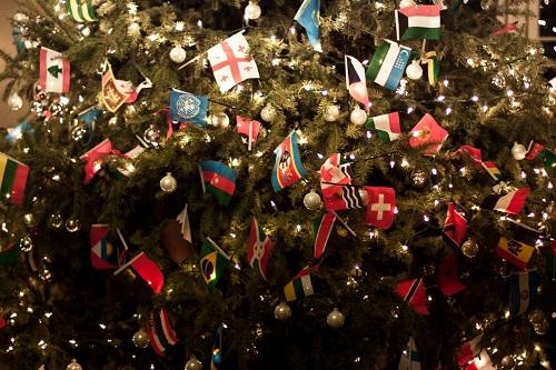 Noel sapin drapeaux - petit.jpg